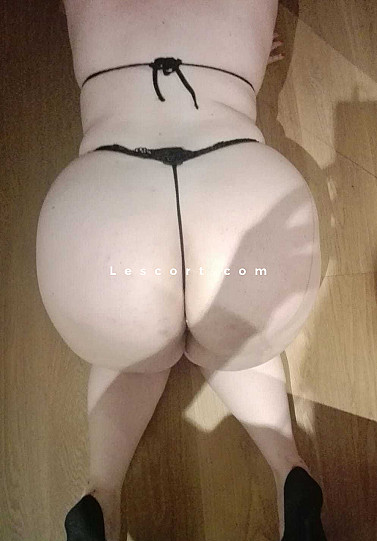 Tina - Girl escort in Solothurn