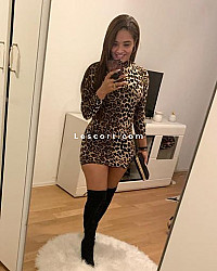 Amanda - Female escort in Prilly