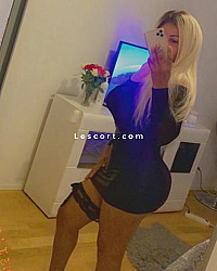 Karolinah - Female escort in Prilly