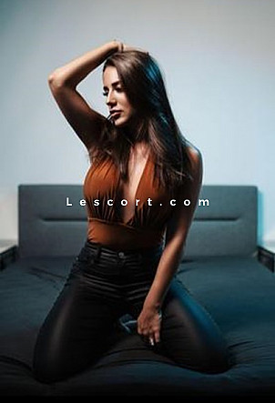 Elena - Girl escort in Lausanne