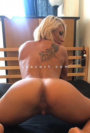 Nina Cox - Girl escort in Montreux