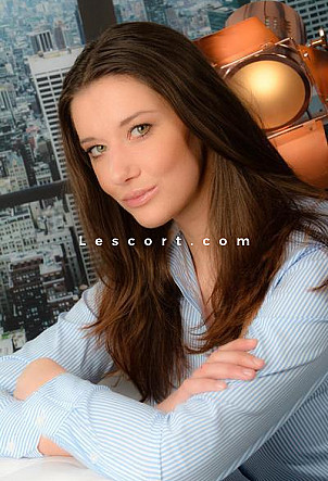Bea - Girl Escort in Zürich